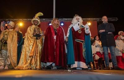 /media/noticias/fotos/pr/2021/01/04/los-reyes-magos-recibiran-las-llaves-de-majadahonda-y-daran-un-mensaje-los-ninos_thumb.jpg