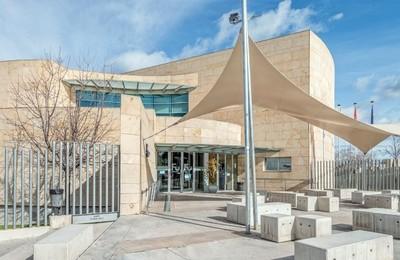 /media/noticias/fotos/pr/2021/05/11/la-biblioteca-municipal-de-majadahonda-amplia-su-horario-ante-la-epoca-de-examenes_thumb.jpg