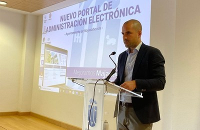 /media/noticias/fotos/pr/2021/06/10/el-ayuntamiento-incorpora-todos-los-tramites-de-padron-al-nuevo-portal-de-administracion-electronica_thumb.jpg