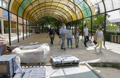 https://majadahondain.es/media/noticias/fotos/pr/2021/07/21/avanzan-las-obras-en-colegios-publicos-a-las-que-se-destinaran-cerca-de-un-millon-de-euros_thumb.jpg